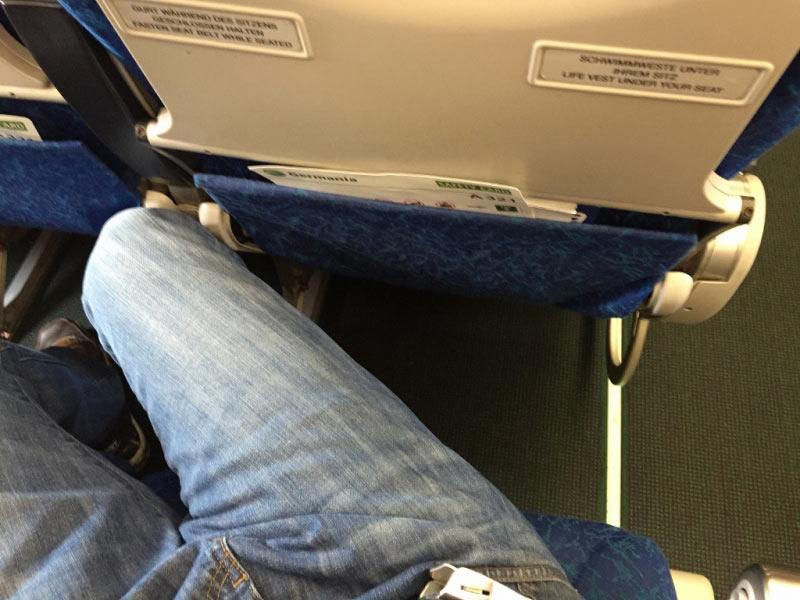 sogar �ber zwei Pl�tze war es nicht m�glich ergonomisch zu sitzen!