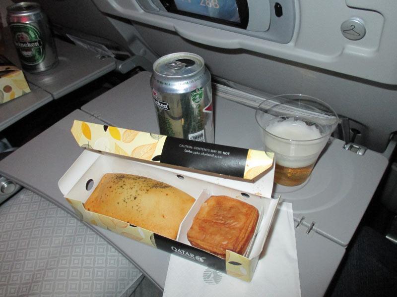 Frühstück kurz vor Doha wie es sich für eine 5 Sterne gehört.