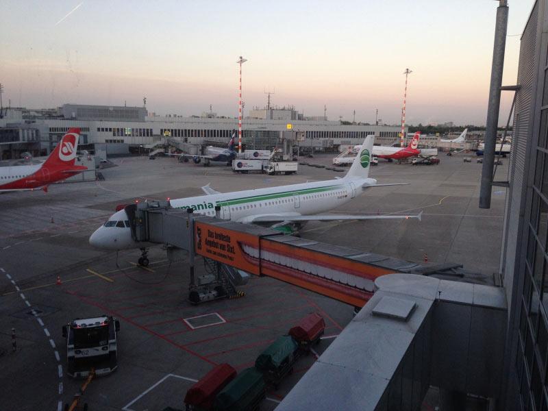 Germania A 321   - D-ASTP - D�sseldorf 5.50 Uhr