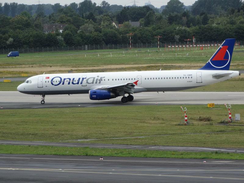 Airbus A321 TC-OBR