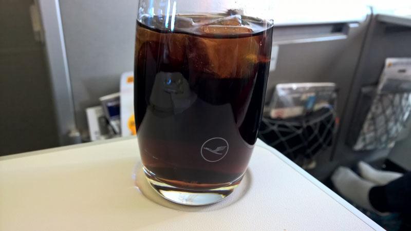 Cola mit Eisw�rfel