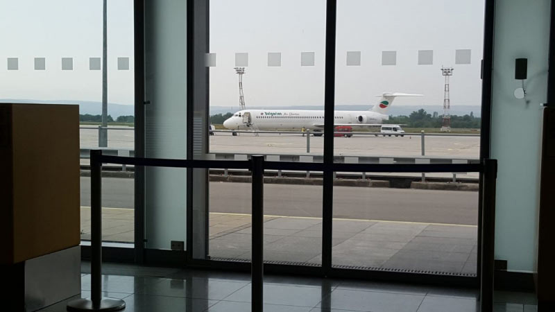 MD-82 (nach meiner Information ca. 25 Jahre alt und wurde nachdem sie ausgelutscht war, von der Alitalia übernommen)