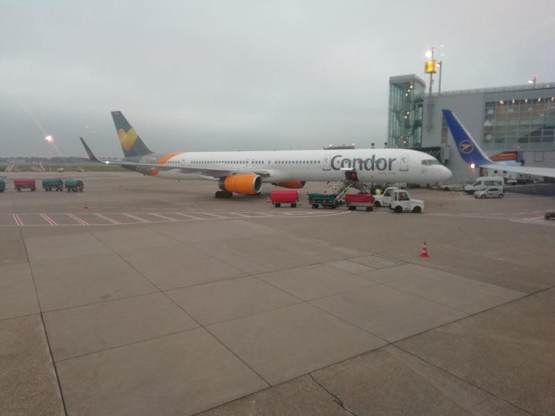 Eine Boeing 757 der Condor.