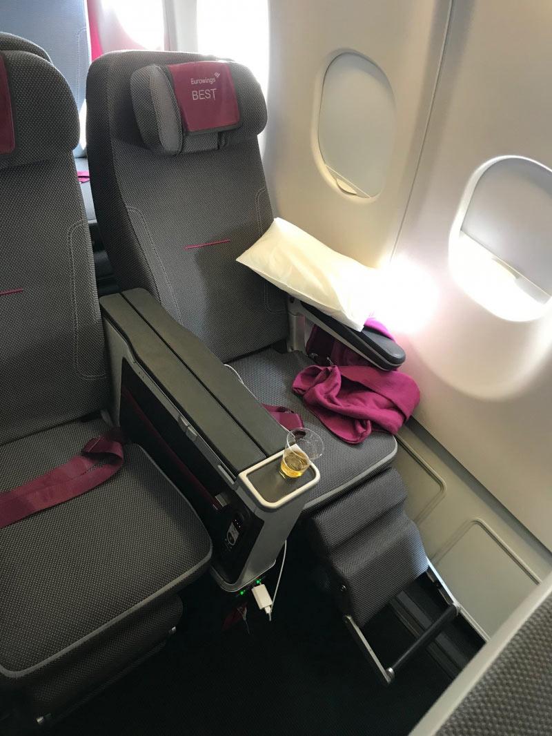 Die Sitze mit Fu�st�tze sind sehr bequem