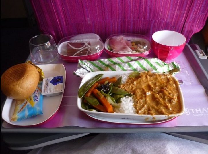 THAI Lunch, Red Thay Curry Beef with Hom-Mali Rice, steamed vegetabels, smoked duck salat and chocolate cake with strawberry jam. cheese, bun and crackers !