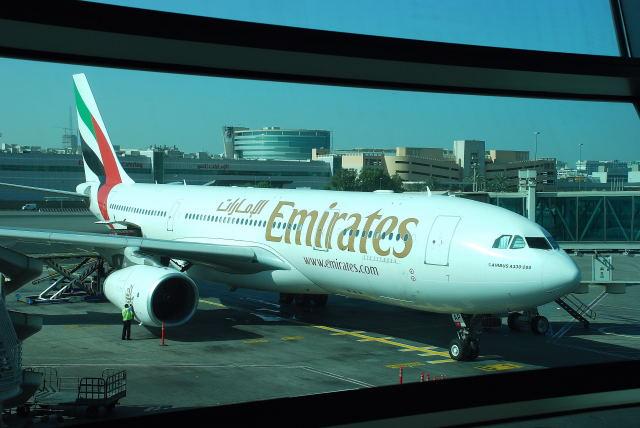 A330-200 (A6-EAP)